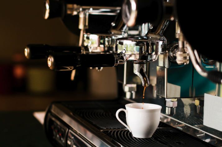 Kitchen Tip: What are the best ways to clean a coffee maker?